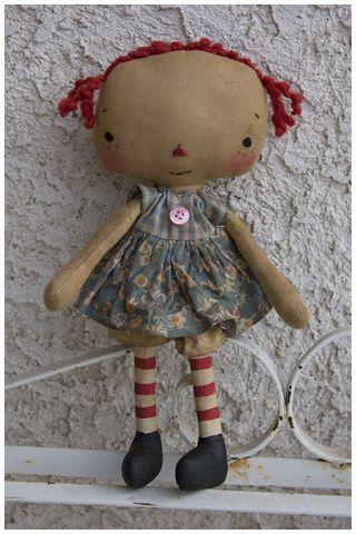 033011 ROA3-21 Lil Squirt Annie Blue Floral