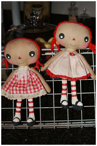 011311 ROA1-15 Gingham Twins Lil Girls Annie