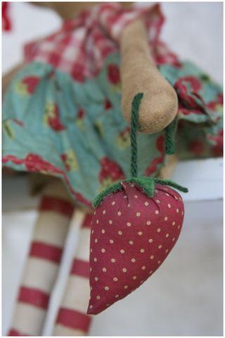 090211 Strawberry Closeup