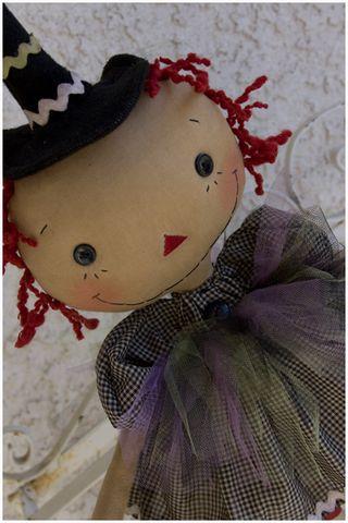 092711 ROA9-32 Good Witch Closeup