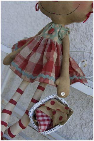 090211 Laundry Time Annie Closeup