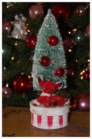 121312 Xmas Tree Red Deer