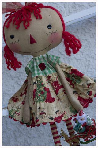 102612 Vintage Ornie Annie closeup