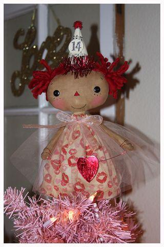 011113 ROA1-11 Valentine Tiny Topper Kisses