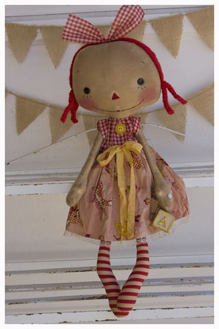 ROA10-05 Old Toys Emma Annie
