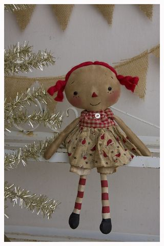 ROA11-04 Tiny Annie Santa Print