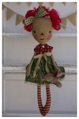 ROA11-01 Vintage Reindeer Flo Annie